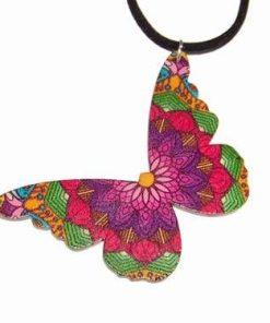 Pandantiv cu fluturele libertatii din lemn