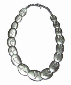 Colier argintiu din os cu chipul lui Buddha