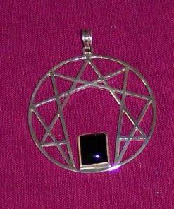 Ennagrama - talisman din argint cu onix