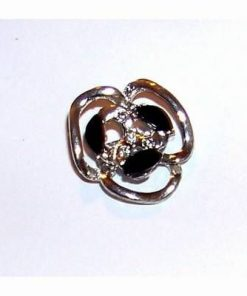 Brosa eleganta- floare argintie cu pietre negre