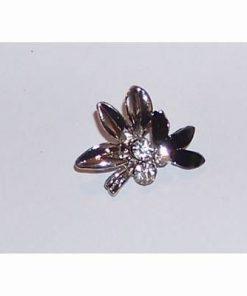 Brosa eleganta-floare fantazie cu cristale negre si albe