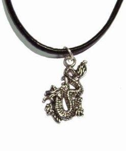 Dragonul Imperial, din metal, pe siret negru