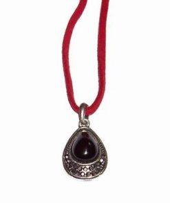 Talisman din metal nobil, cu cristale negre