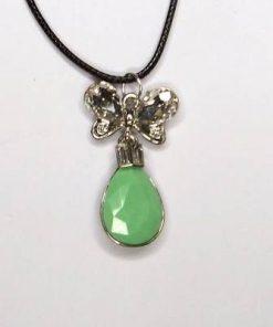 Pandantiv cu cristal verde si fluture pentru abundenta
