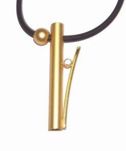 Talisman din metal nobil auriu pe siret din silicon